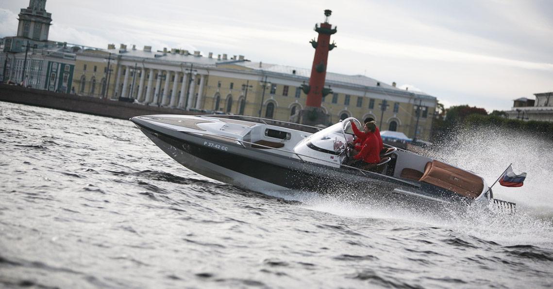 Катер  Hydrolift S-24 Platinum