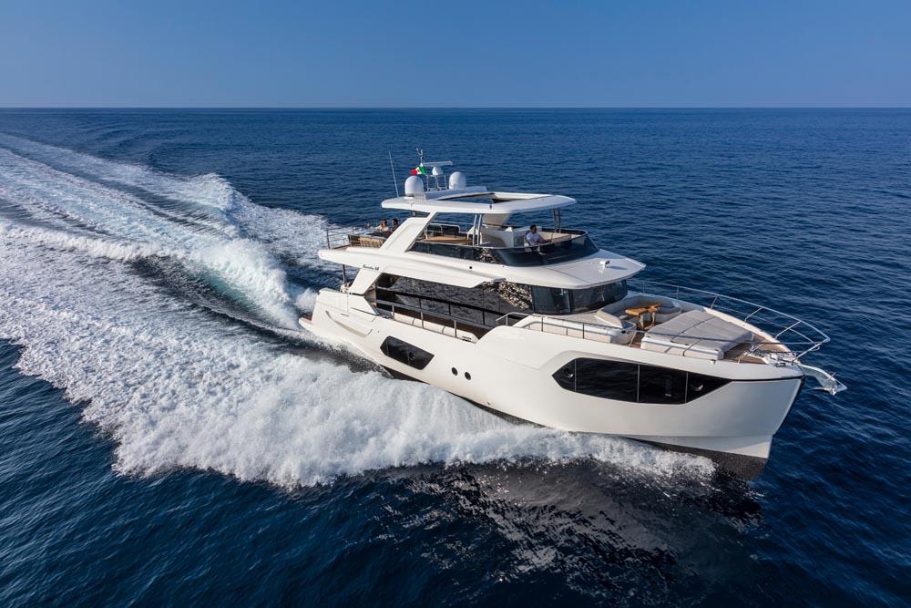 Обзор яхты Absolute Navetta 68