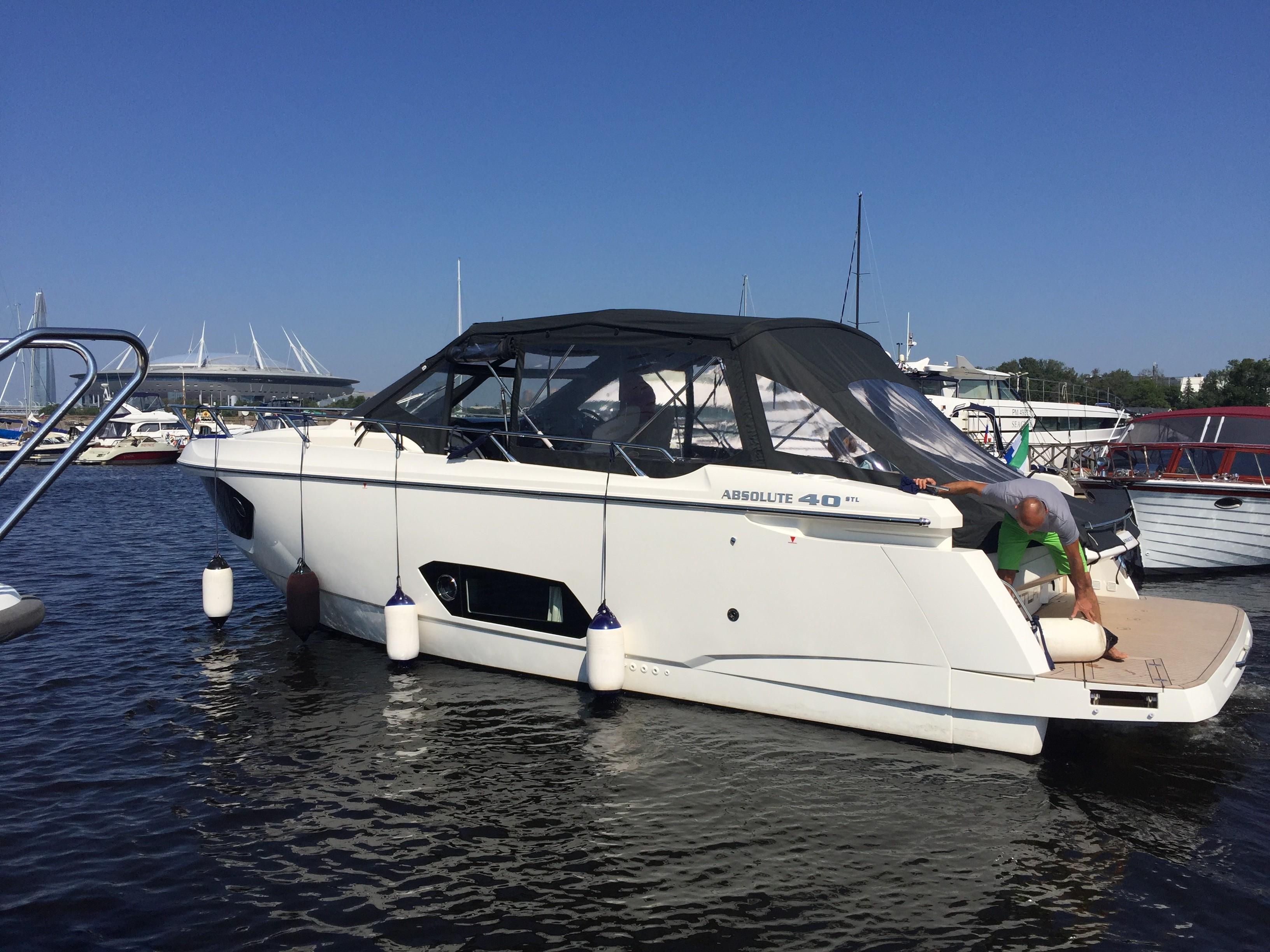 Яхта Absolute 40 STL