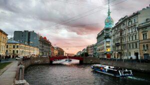 Сертификат на прогулку по рекам и каналам Санкт-Петербурга